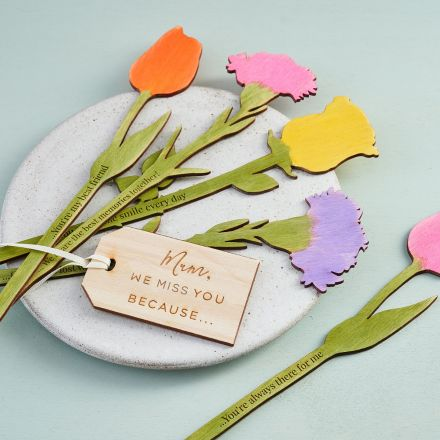 Wooden flowers, handpainted and engraved with personalised messages for MUM.