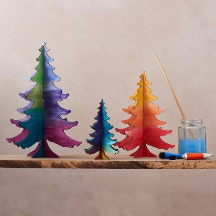 Wooden tree decorations to decorate at home.