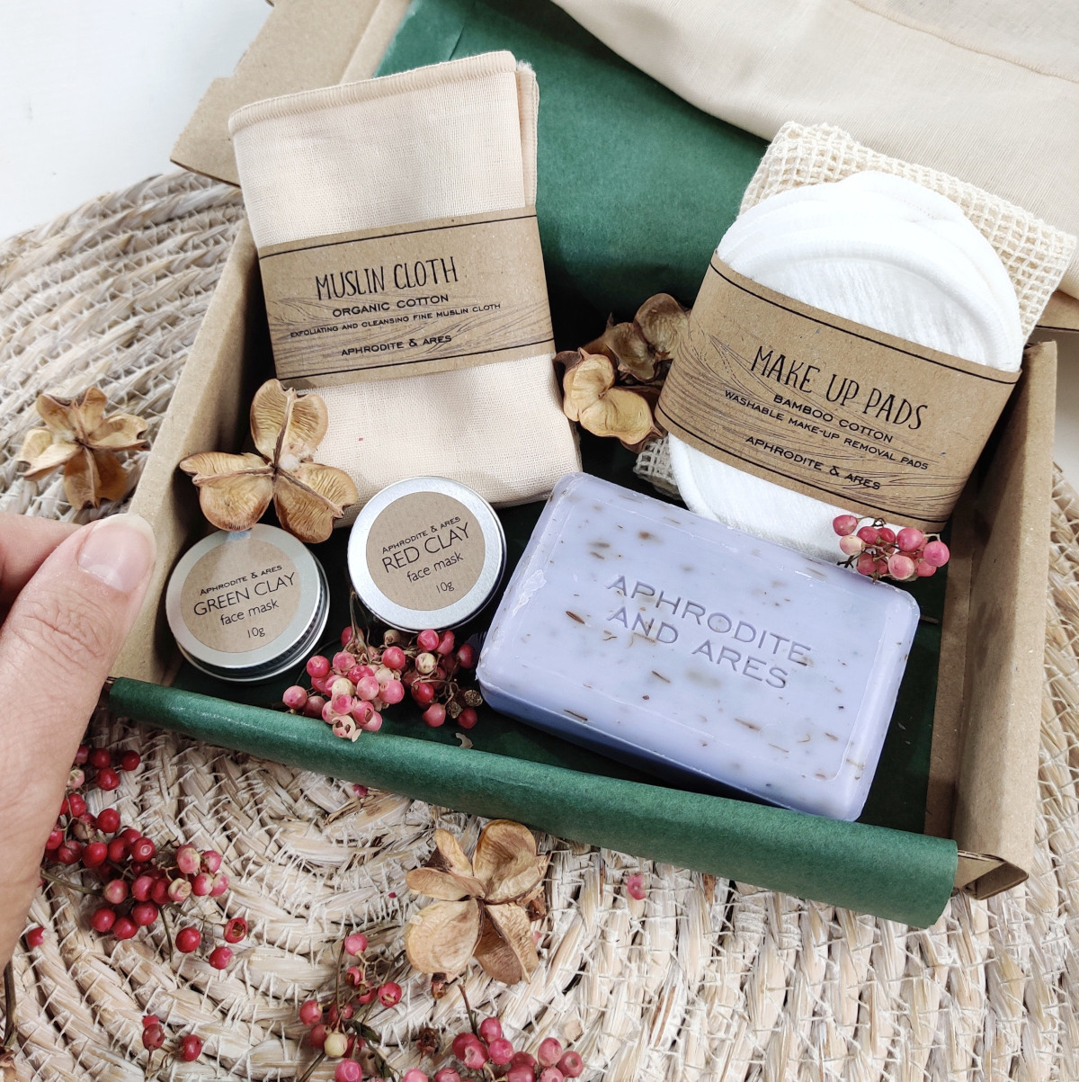 Vegan Beauty Box Letterbox Gift from Ethical Market